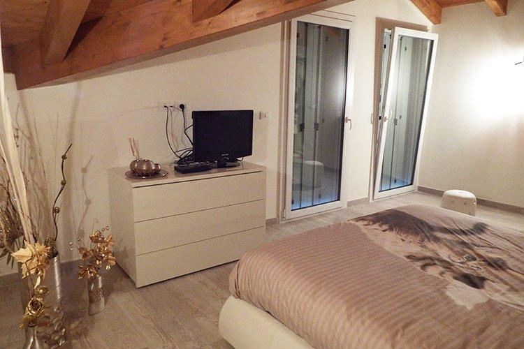 Camera da letto matrimoniale su misura a Lecco, Como, Monza, Milano e Sondrio