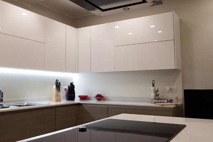 Cucina bianco laccato lucido a Lecco, Como, Monza, Milano e Sondrio