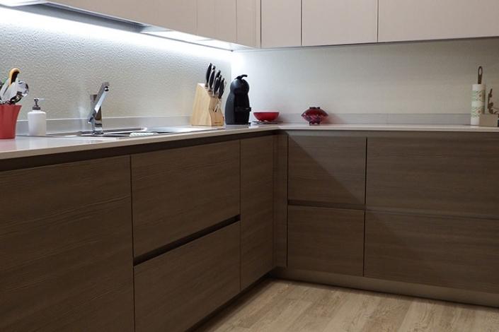 Cucina laminato effetto legno a Lecco, Como, Monza, Milano e Sondrio