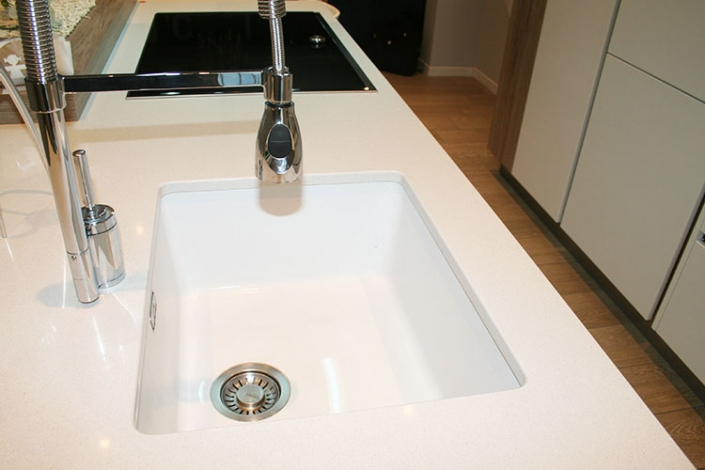Cucine moderne con lavello sottotop in fragranite a Lecco, Como, Monza, Milano e Sondrio