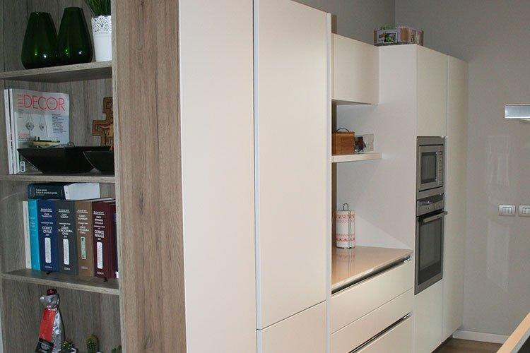 Cucine moderne laccato bianco a Lecco, Como, Monza, Milano e Sondrio