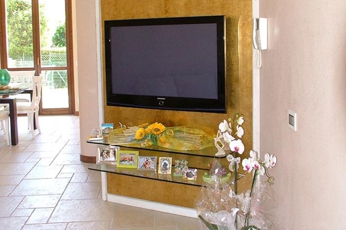 Parete divisoria porta TV in cartongesso a Lecco, Como, Monza, Milano e Sondrio