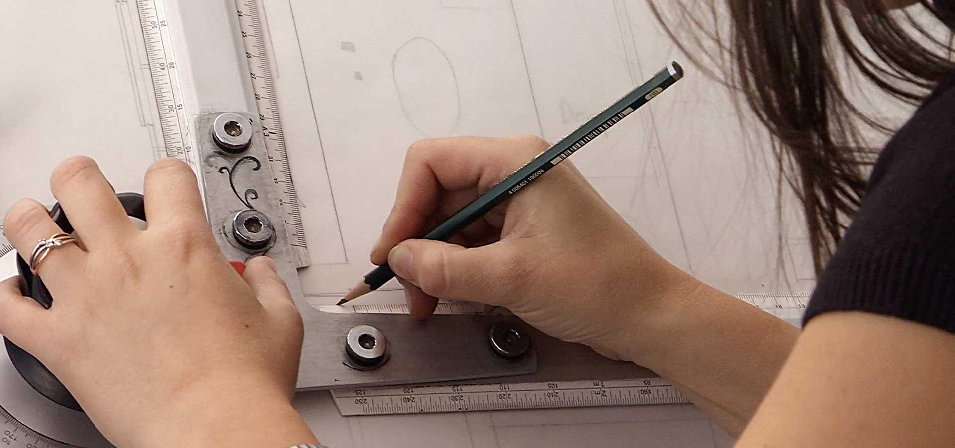 Progettazione e realizzazione arredamento e mobili su misura in provincia di Lecco, Como, Monza Brianza e Milano